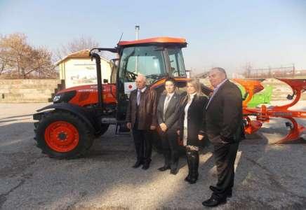 Donacija Japana, traktor i oprema u vrednosti 72. 000 evra