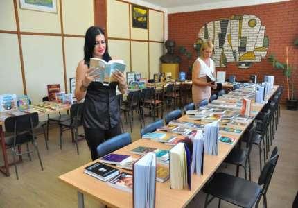 Biblioteka bogatija za 700 knjiga
